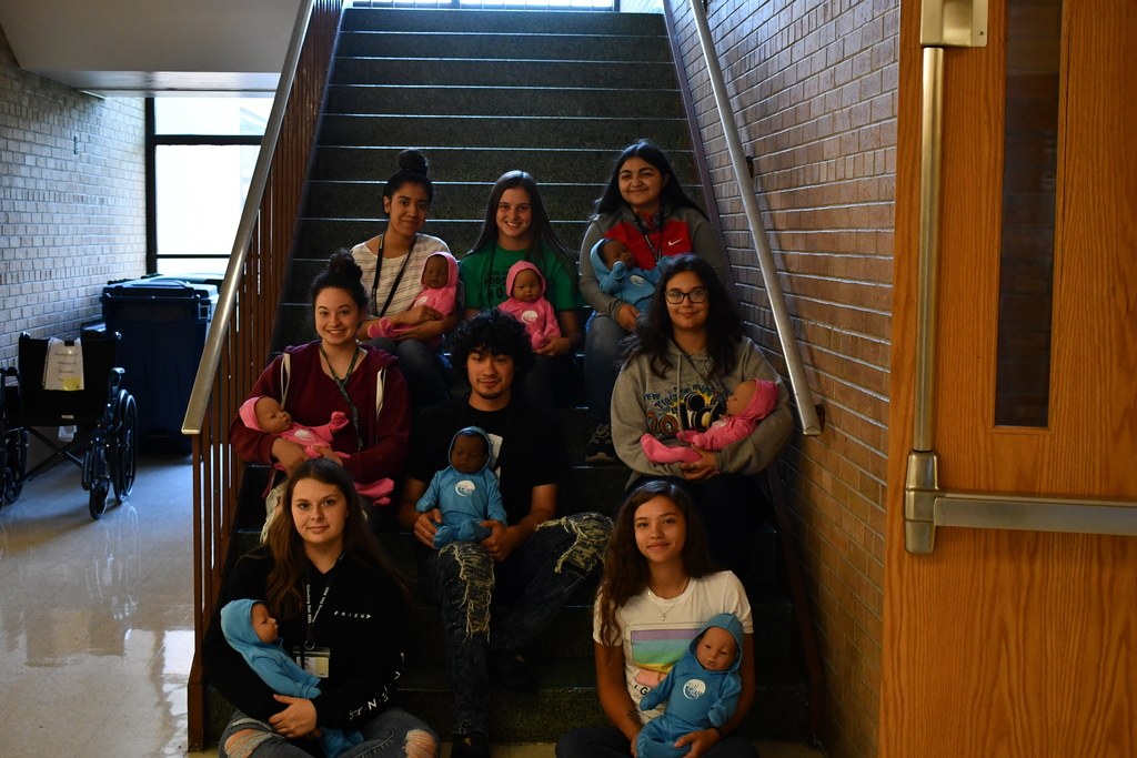 GHS Students with real care babies