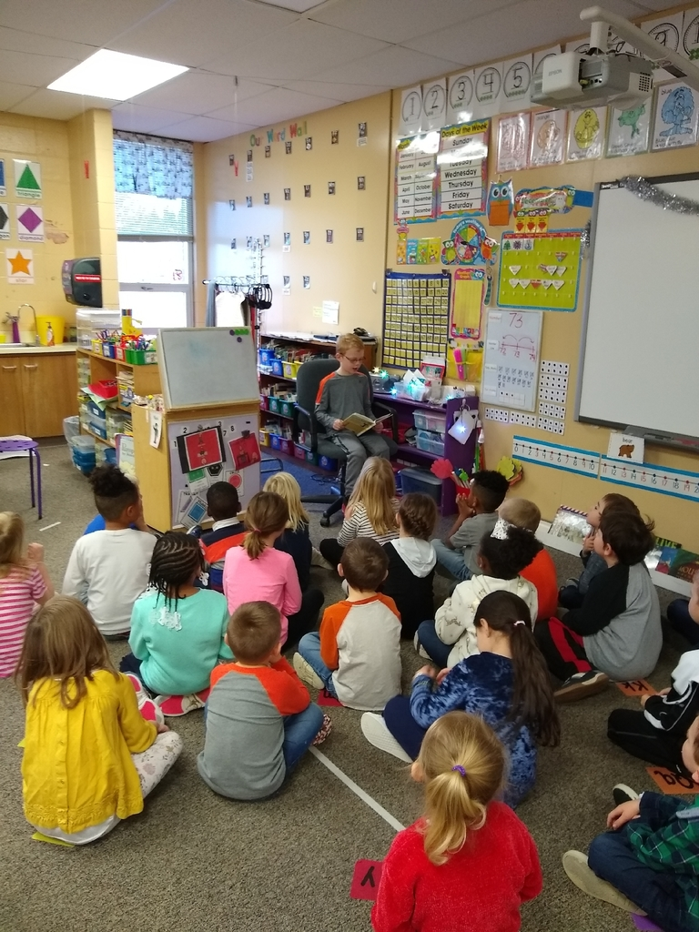 Principal Casey reads to C2