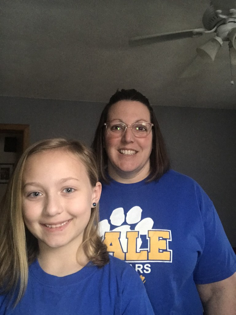 This mother and daughter pair are proud Gale Cougars!