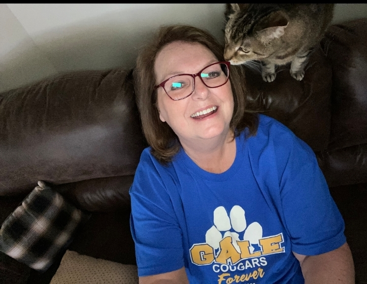Mrs. Raes and her cat love the Gale Cougars!